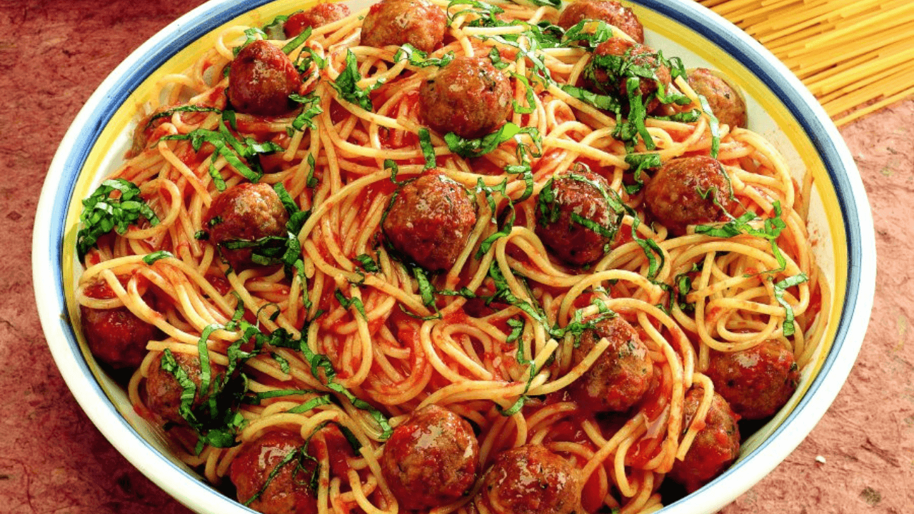 Spaghetti con polpette Viva La Pasta! Types Of Pasta Dishes #Quiz