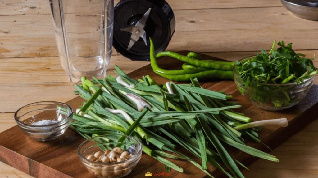 Green Spring Garlic Chutney-Hare Lehsun Ki Chutney