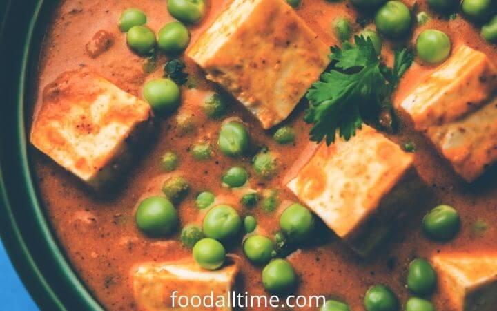 How To Make Restaurant-Style Best Matar Paneer Recipe