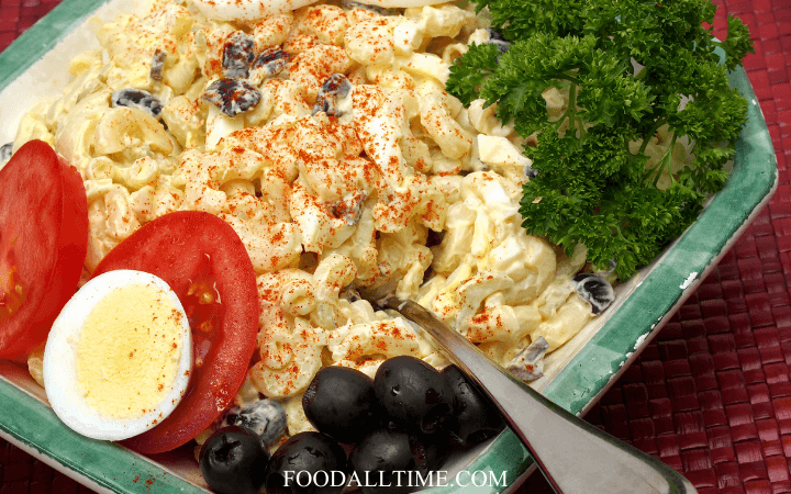 Refreshingly Delicious Macaroni and Coconut Salad (Khao Pad Mor Mee)