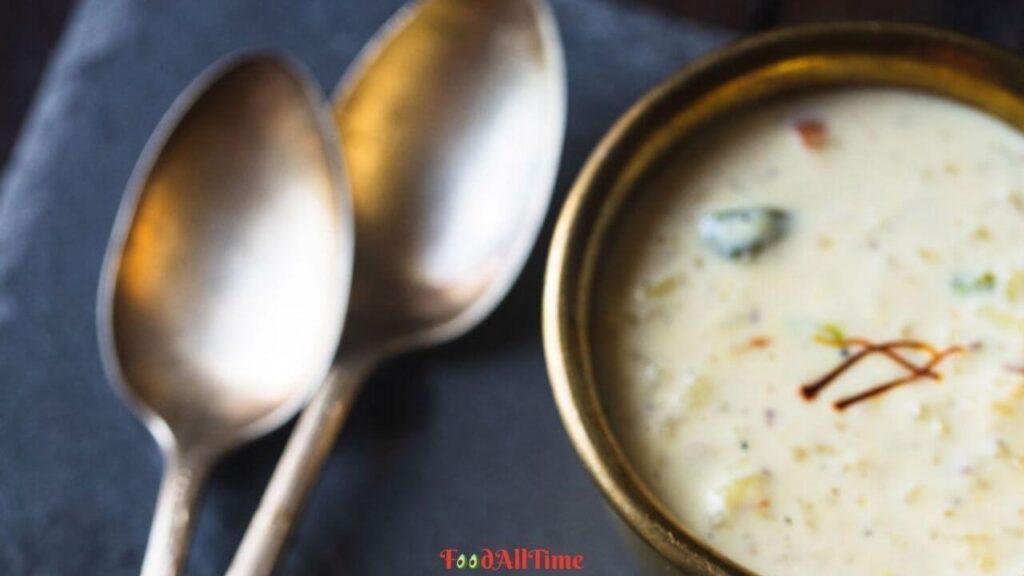 Delicious Khajur and Rice Kheer Recipe
